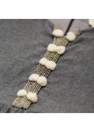 Robe brodée de perles et pompons